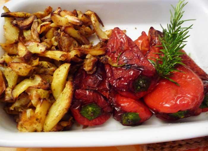58-62-Spiedini di rosmarino ai peperoni rossi fritti