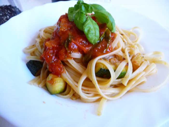 86-84)Bavette, pomo-zucchine